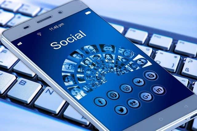 Clubhouse: Mobilní sociální síť